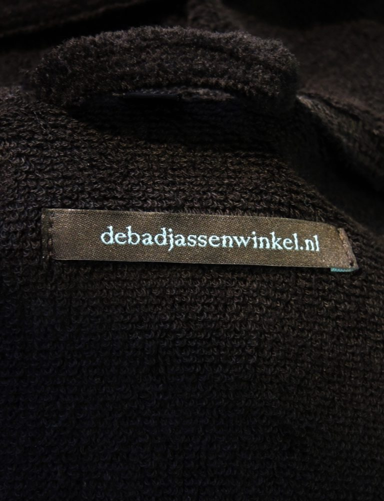Zwarte uniseks badjas met capuchon van de badjassenwinkel-1207