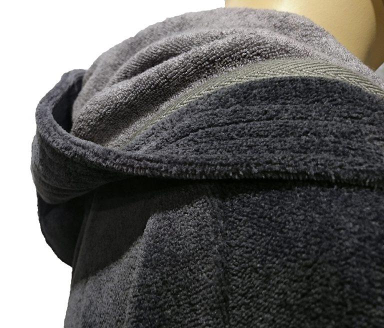 Donkergrijze saunabadjas met capuchon van Morgenstern-914