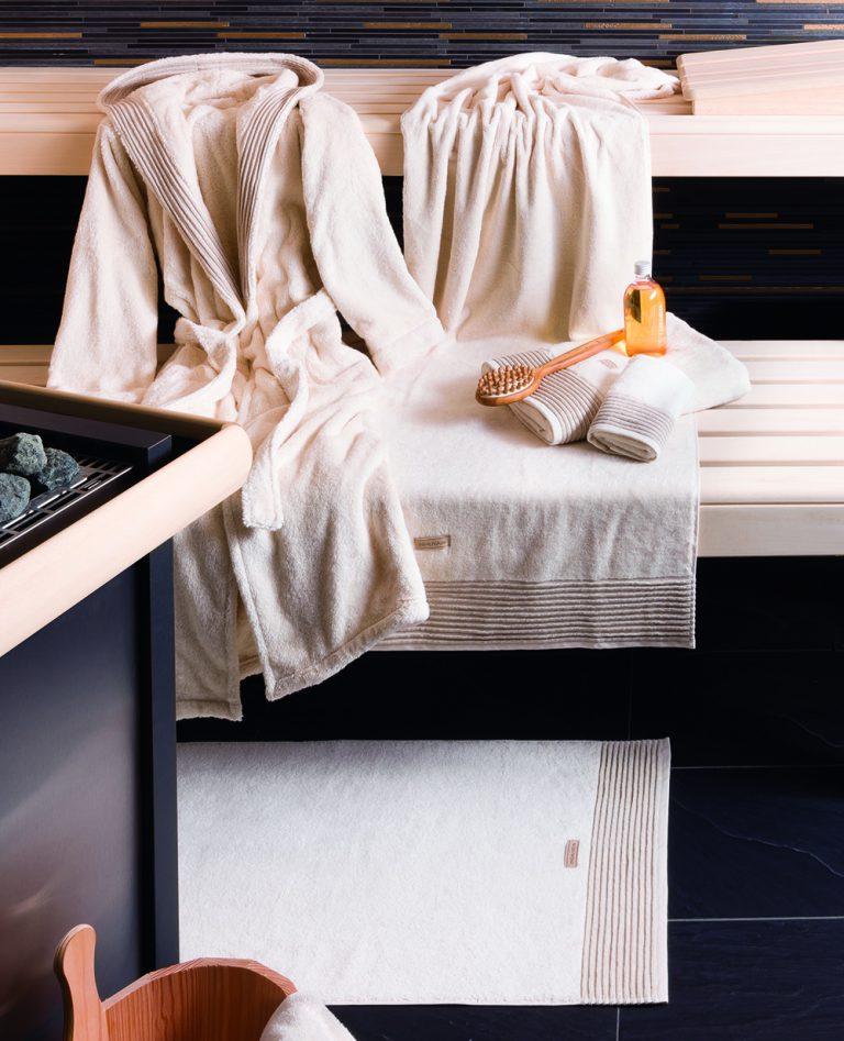 Badjas met capuchon, extra lang model, natureltint van Möve-937
