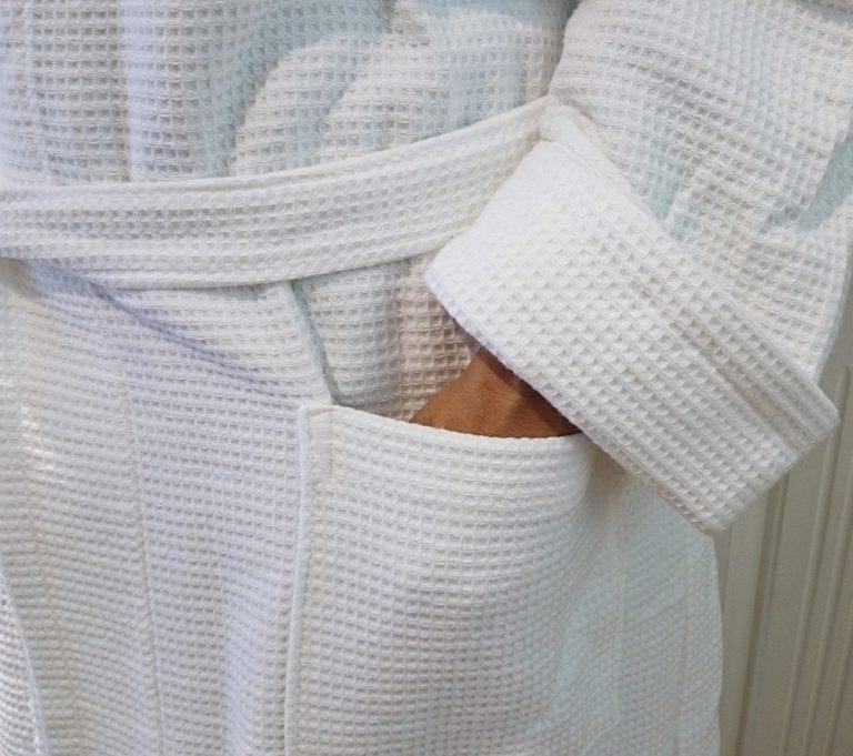 Witte badjas van wafelbadstof van Vandyck-1033
