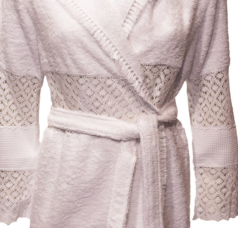 Witte opengewerkte damesbadjas met capuchon van Luna di Giorno-1349