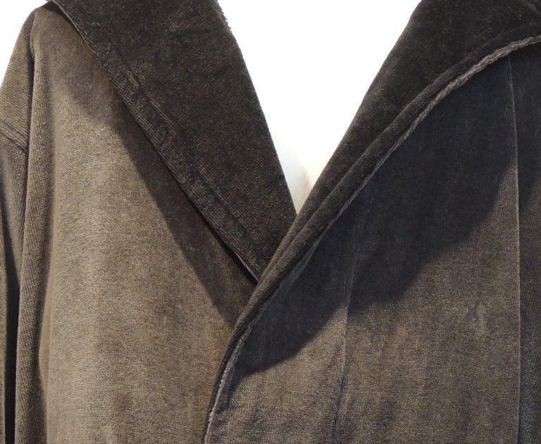 Stoere herenbadjas met capuchon, grijs met zwart van Bugatti-1791