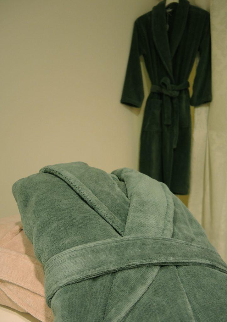 Donkergroene badjas met kraag van Vandyck-1878