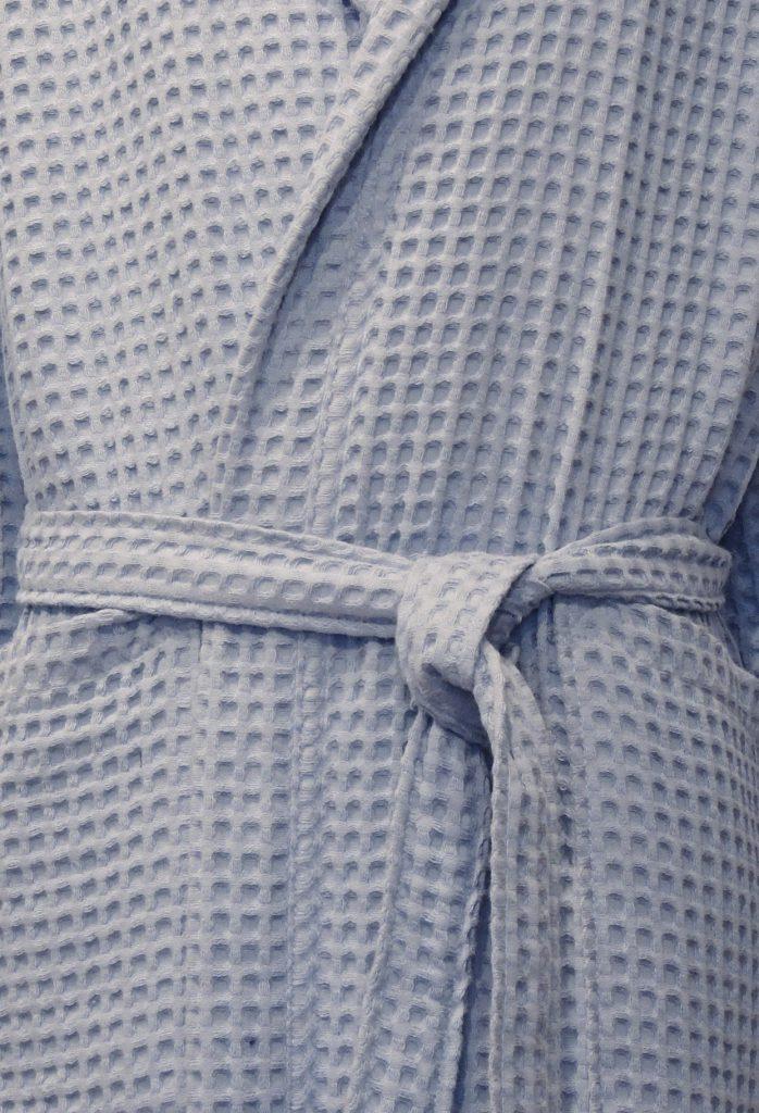 Zachte wafelbadjas met capuchon in grijsblauwe kleur van Taubert-1854